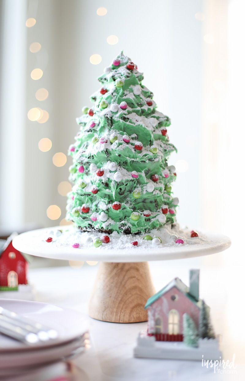 A Festive Christmas Tree Gingerbread Cake Dessert Recipe