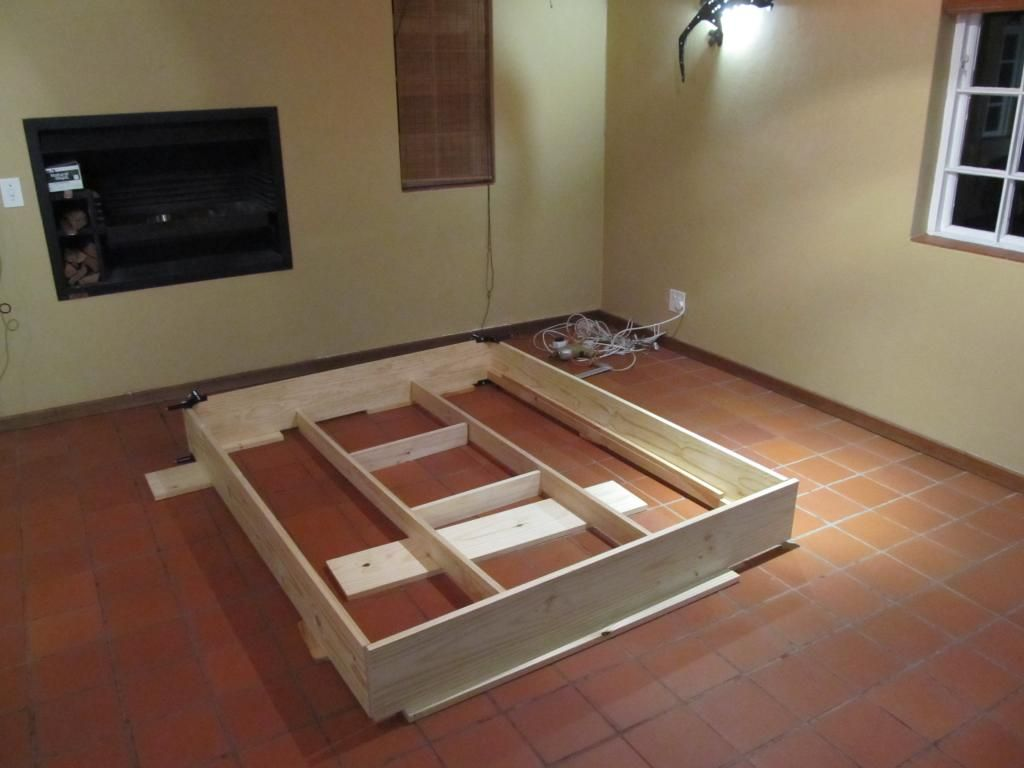 DIY Floating Platform Bed