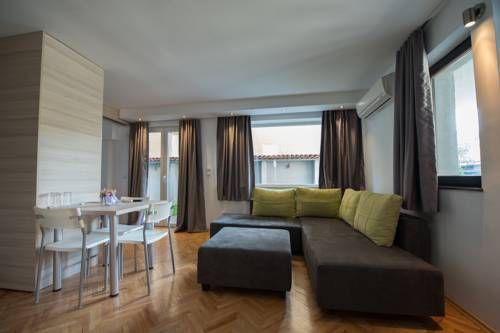 Theatre Apartments Bitola Offering a terrace and ski storage space, Theatre Apartments is located in Bitola. Ohrid is 46 km away. Free WiFi is featured throughout the property and free private parking is available on site.