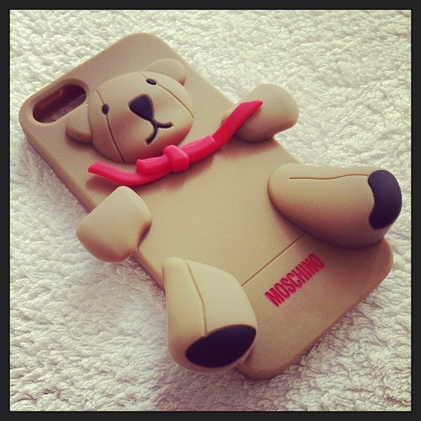 Photo by simona_infantolino  #moschino #mymoschino #gennarino #luisa #iphone #cover #case