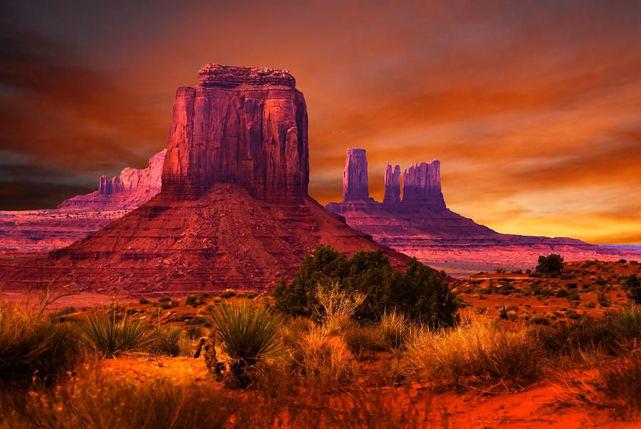 Monument Valley Sunset By Harry Spitz Monument Valley Monument Valley Arizona Monument Valley Utah