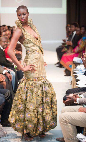 Côte Minou    Slimming! #AfricaFashion #AfricanPrints #AfricanPrints #kente #ankara #AfricanStyle #AfricanInspired