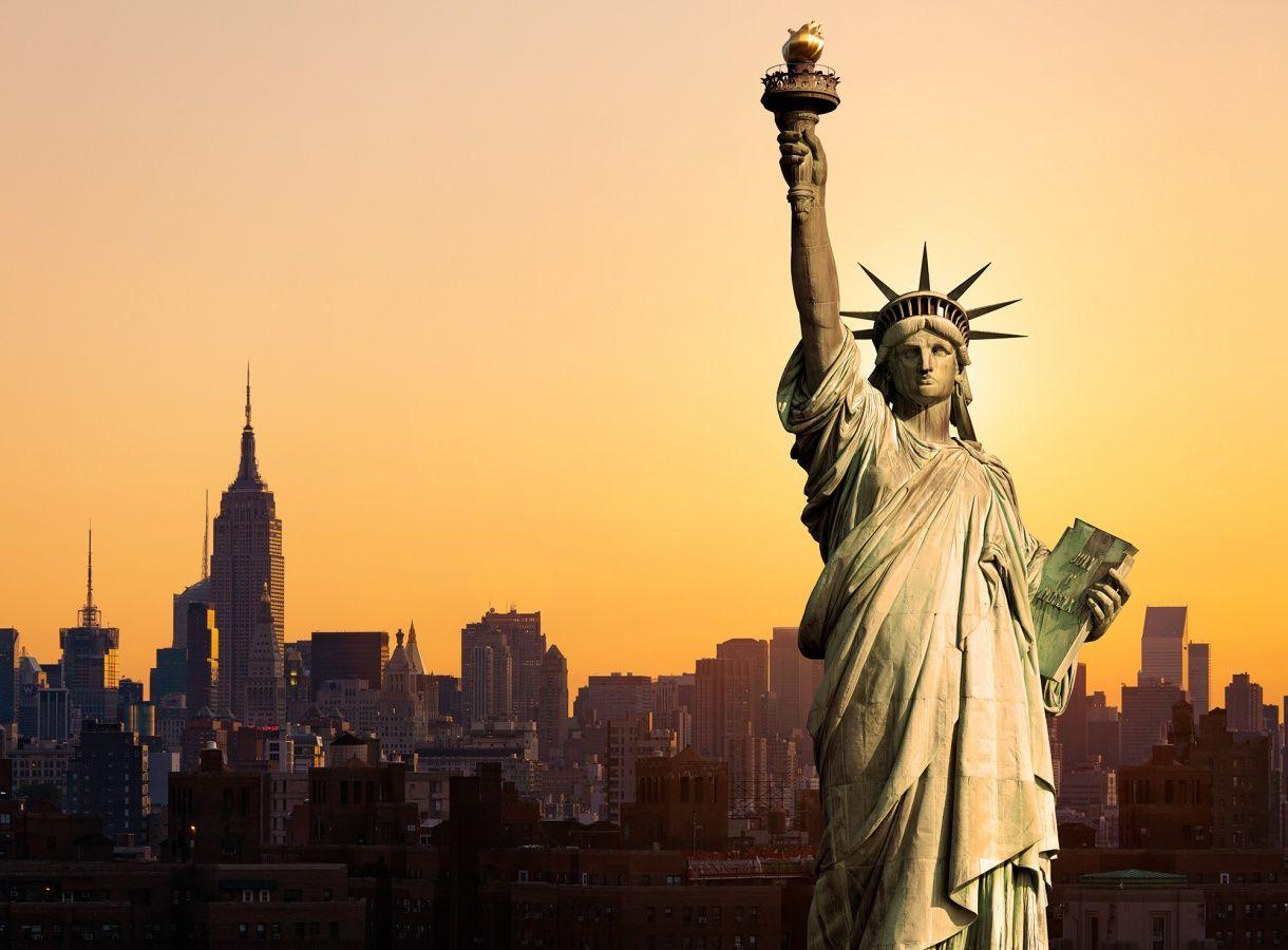 Statue of Liberty | R10651 | Wall murals - Wallpaper | Rebel Walls