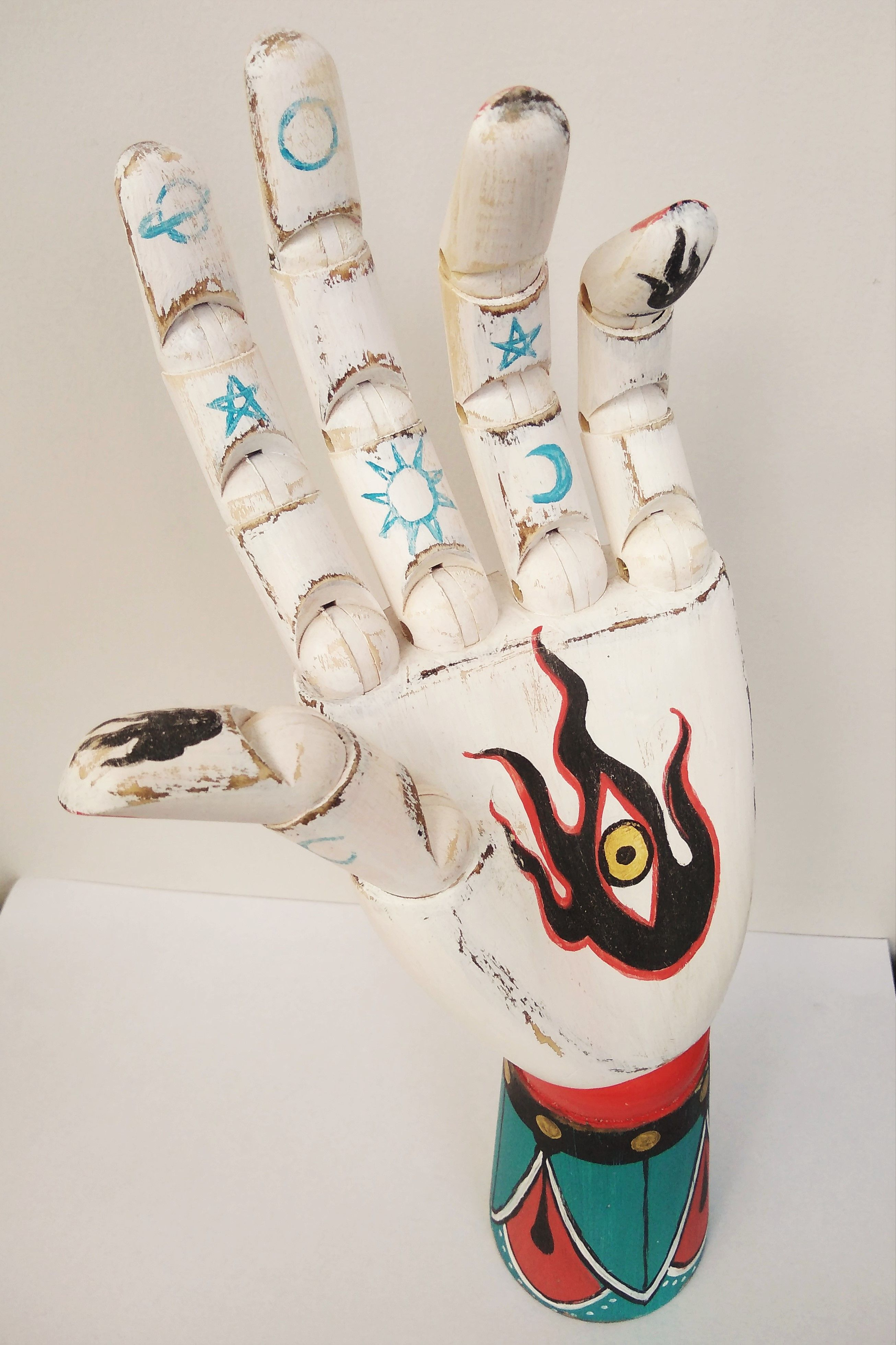 Hand Wicca, Blessing Moon, all seing eye, wooden hand, esoteric