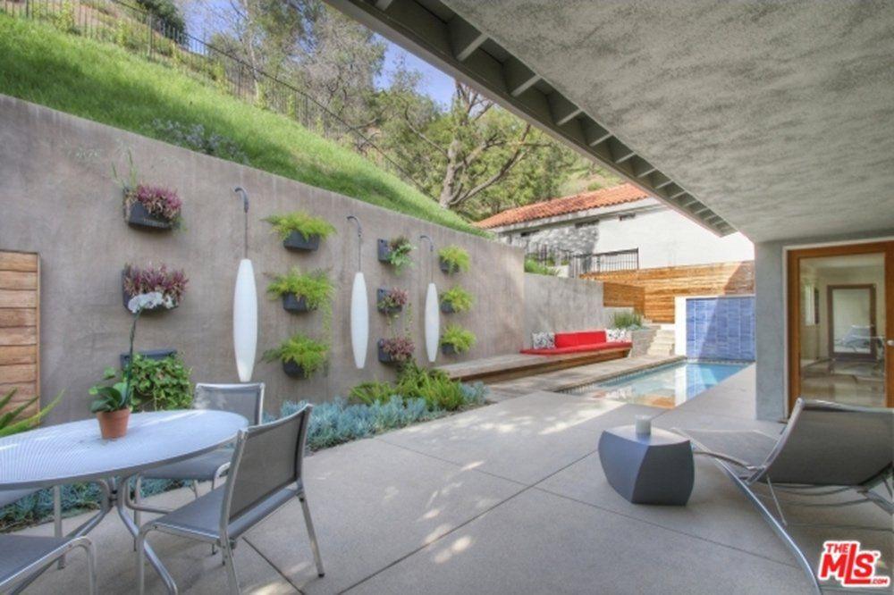 Lisa-Vanderpump-Buys-Daughter-Beverly-Hills-Mansion.jpg (1000×666)