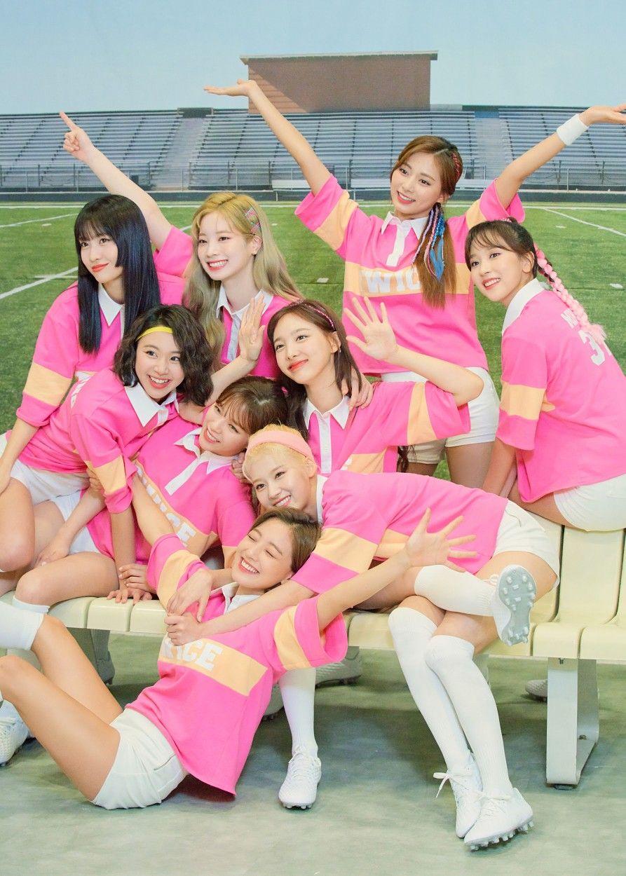 Run 2020 Twice Happy New Twice Year ÍŠ¸ì™€ì´ìŠ¤ Twice In 2020 Twice One In A Million Girl Group