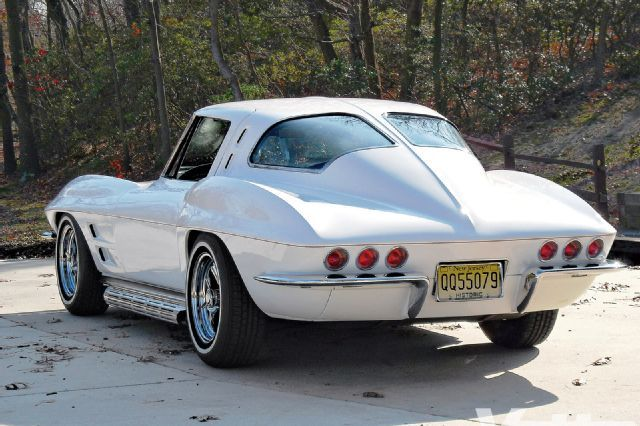 1963 Chevrolet Corvette - Custom C2 Sting Ray Split-Window Coupe - Vette Magazine