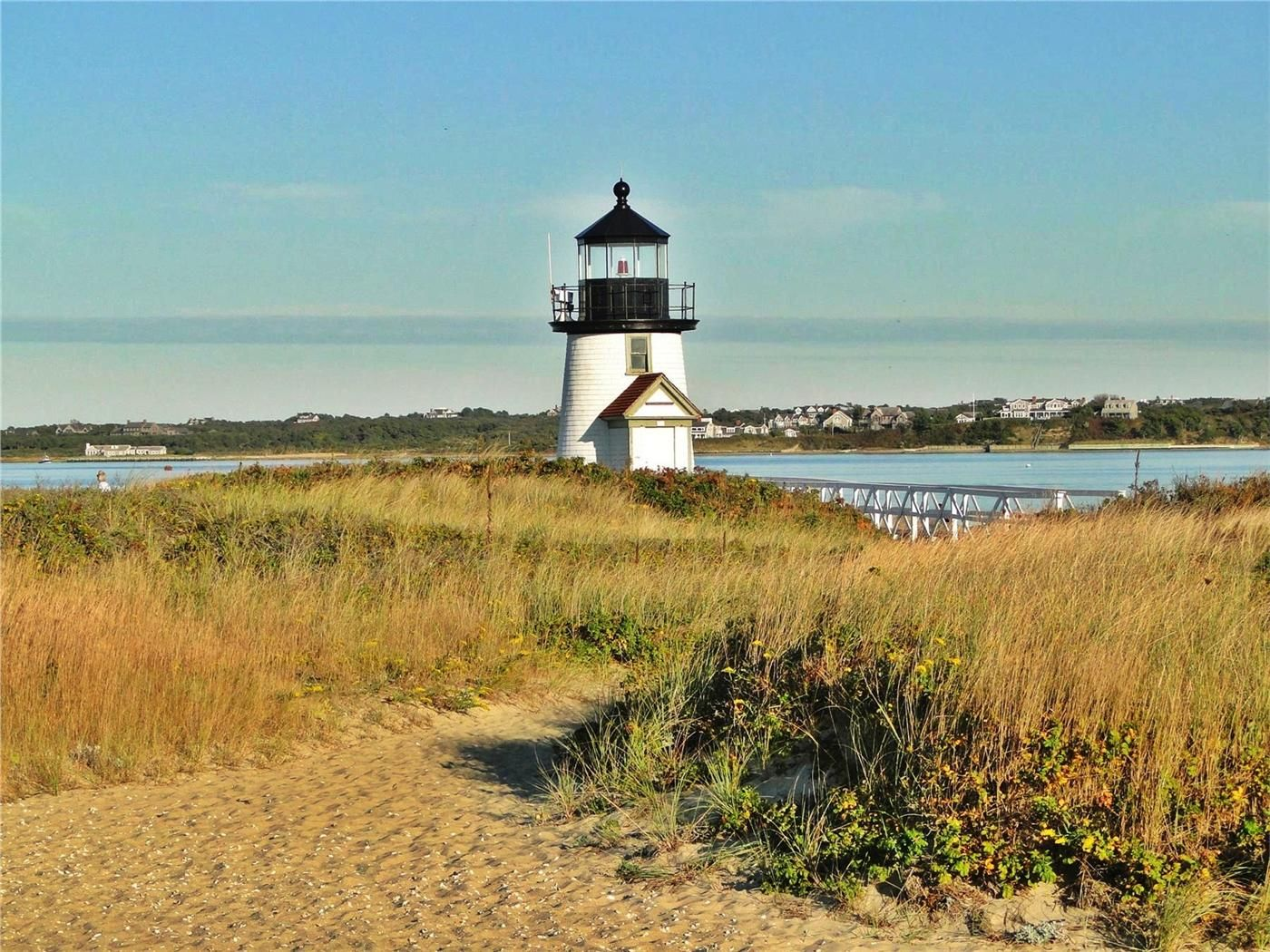 Walk to Jetties or Childrens beach the Brant Point