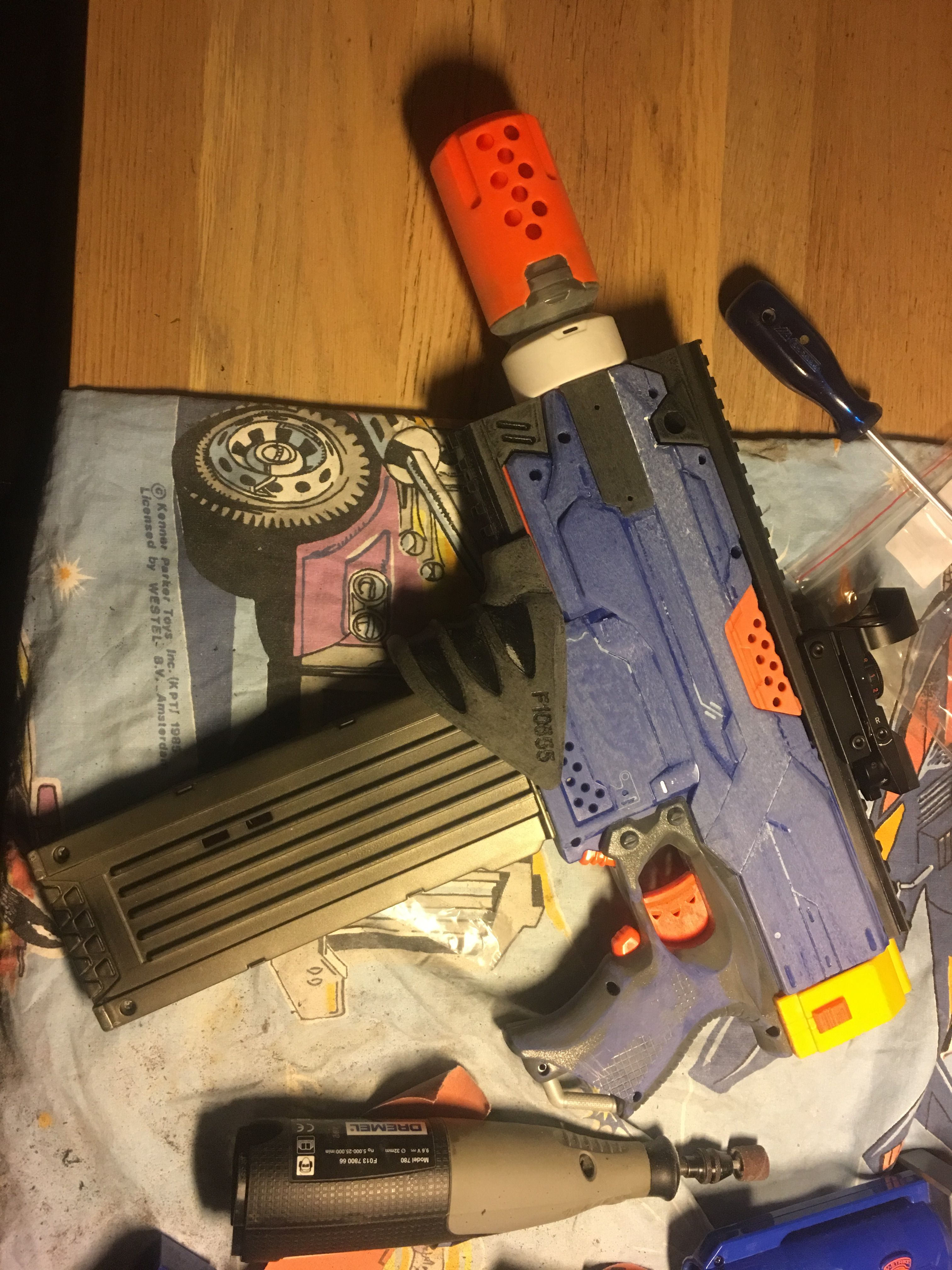 Worker set and nerf silencer attached Including red dot scope