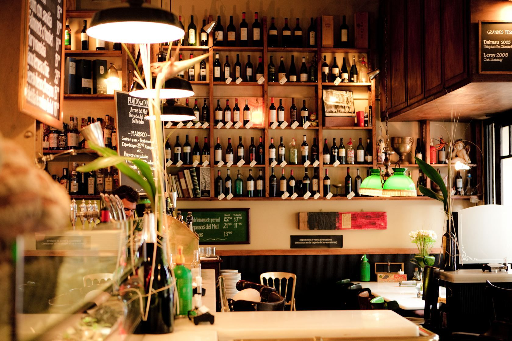Bar Mut Barcelona. Our favorite place for tapas and cava in Barcelona.