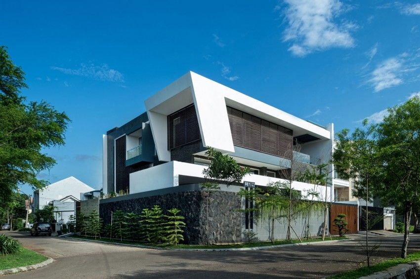 Dp Hs Architects Designs A Contemporary Home In Jakarta Architect Design Modern House Design House Architecture Design