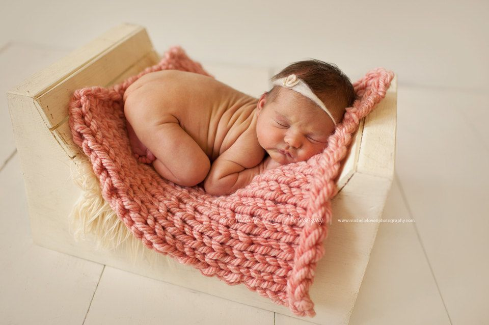 Chunky posing blanket for baby beautiful newborn photography prop mini blanket