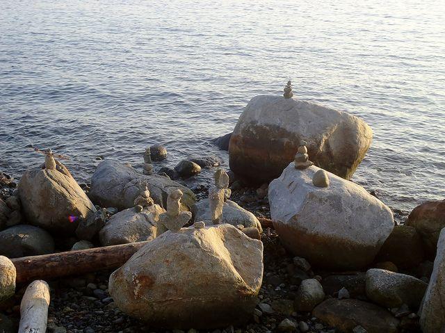 Escultura de piedras en equilibrio by urru_urru, via Flickr