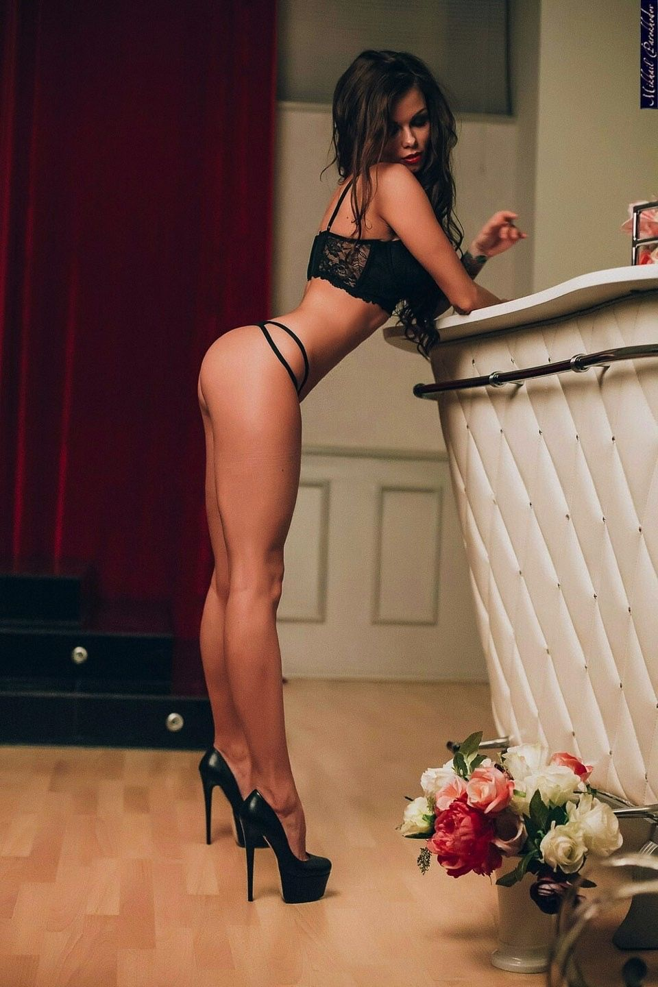 Sexy girls in seductive high heels