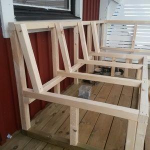 Platsbyggd soffa på altanen - Hemma hos Pysselvix på StyleRoom.se