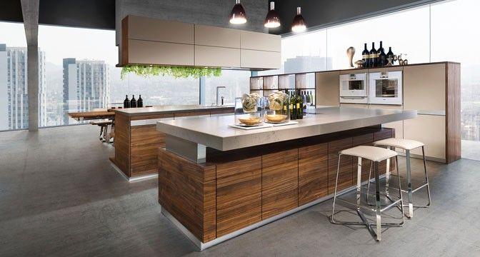 Die Küche k7 von TEAM 7 mit höhenverstellbarer Arbeitsplatte als