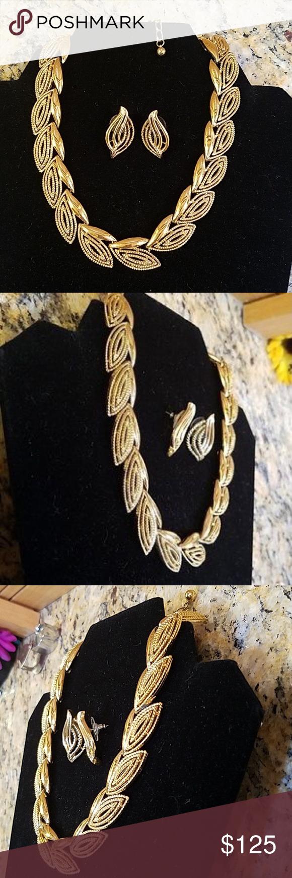 Photo of Vintage goldene Trifari Halskette & Ohrringe GUC Vintage Trifari goldene Halskette & …