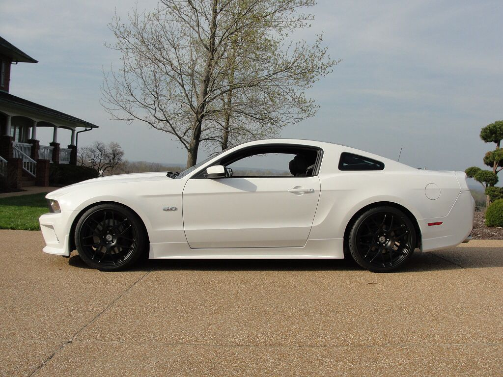 White Mustang With Black Rims 3 Rims For Cars Mustang Dream Cars