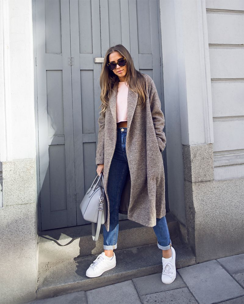 This is the first article you need to bookmark for 2017! We've gathered 31 winter-friendly looks to be inspired by every single day in January (or the rest of winter really). Trends we see...