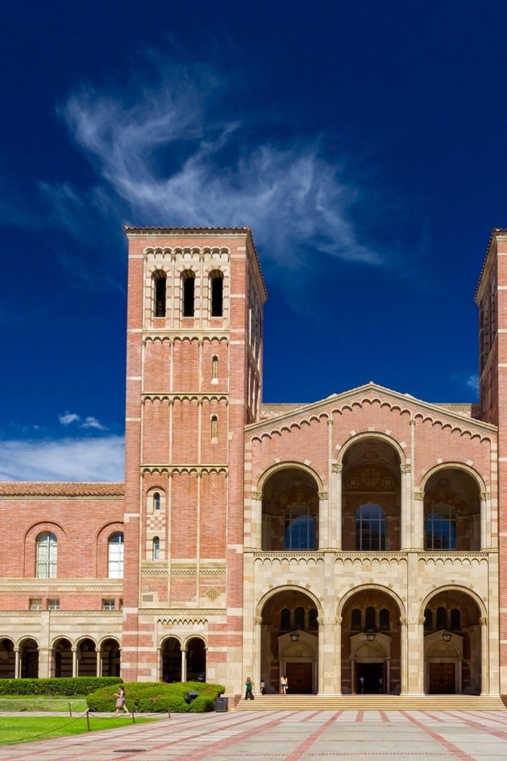The Best College Towns In The U S To Visit In The Fall Jetsetter Ucla Campus University Of California University Of California Los Angeles