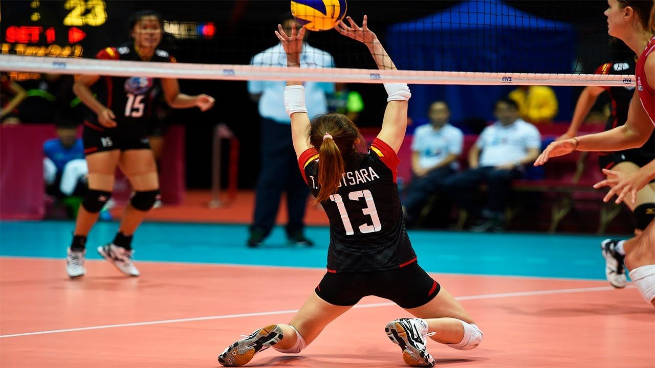 Best Women Setter Nootsara Tomkom Female Volleyball Players Volleyball Positions Volleyball Players