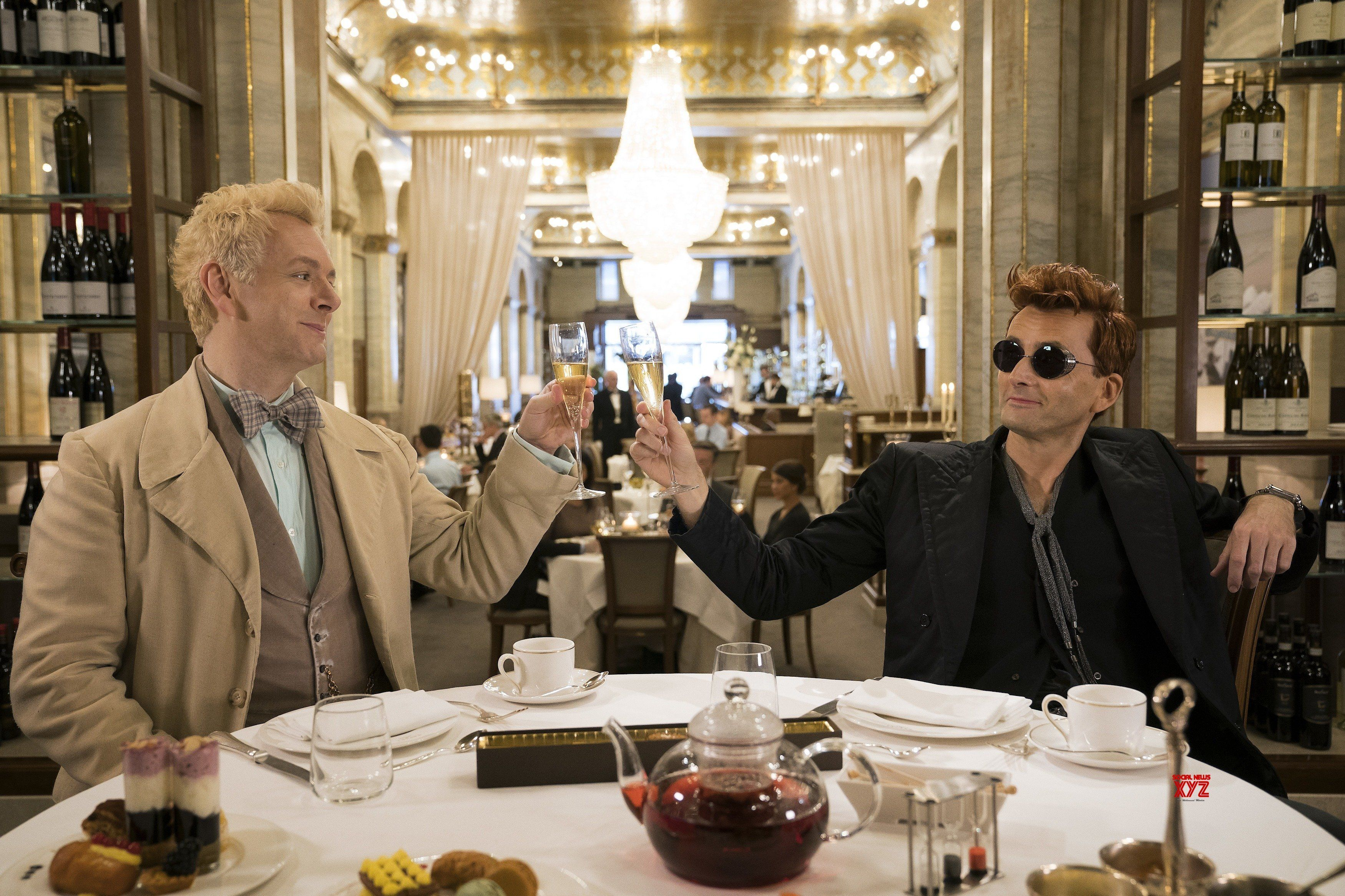 Good Omens Series Stills | Michael sheen, Amazone, Film serie