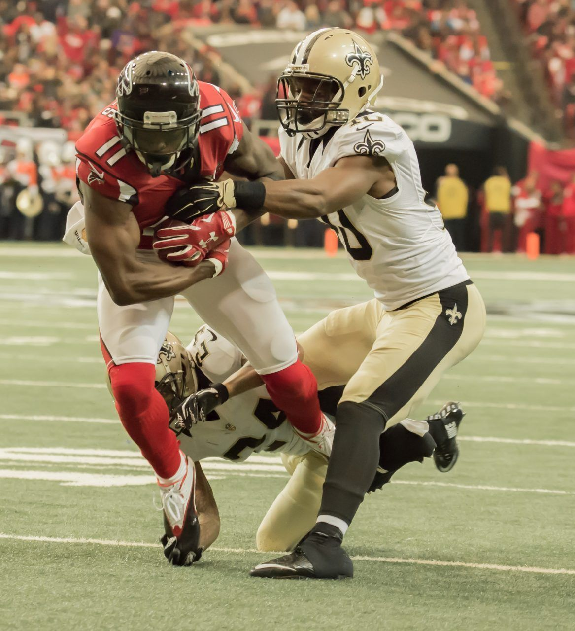 By David Schiele They Say That The Holidays Are The Season For Giving Referee Pete Morelli And His Crew Gifted The New O Falcons Nfc South New Orleans Saints