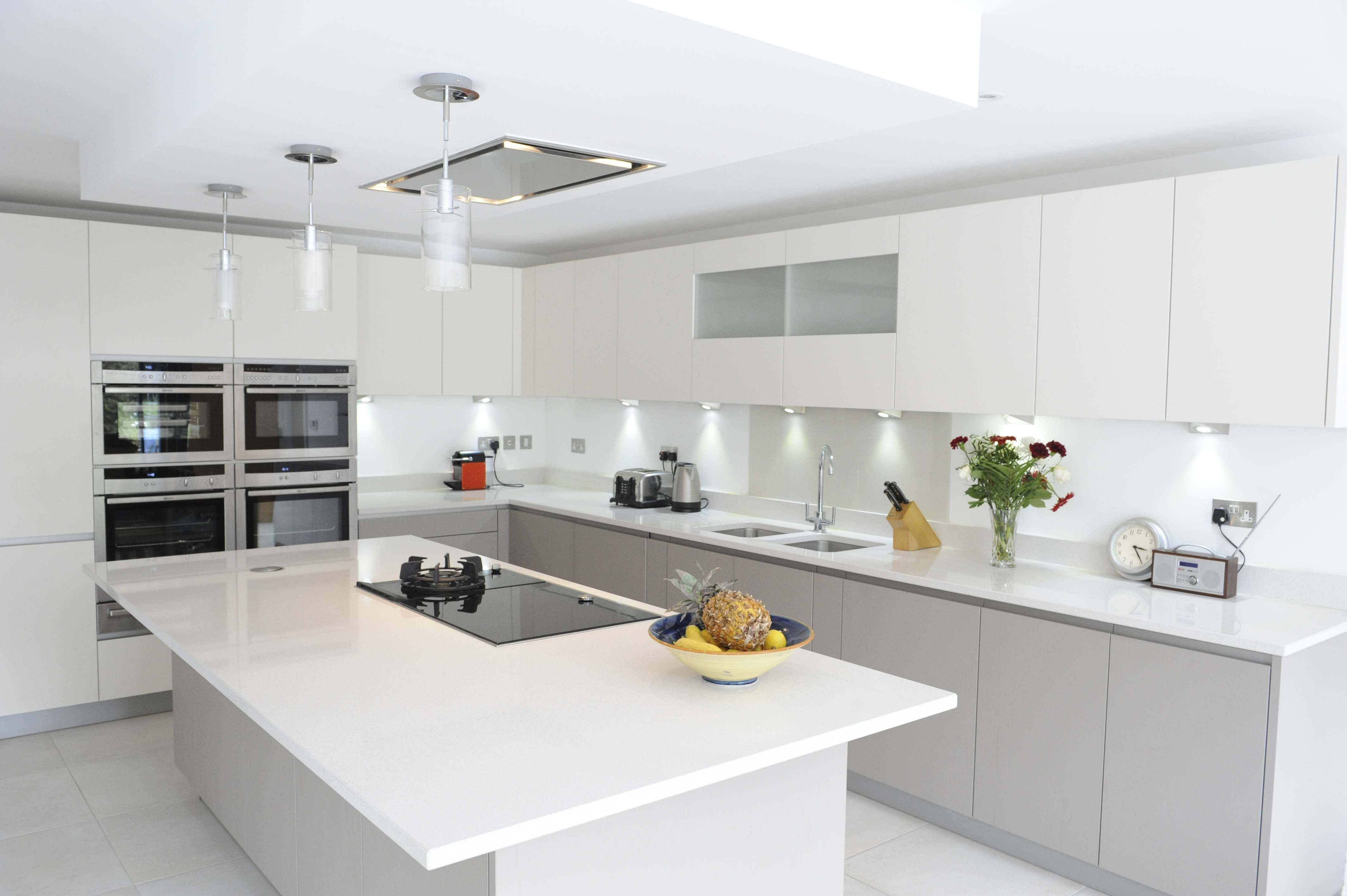 Calm Kitchen for a Busy Family | Handleless kitchen, Norte and Lava