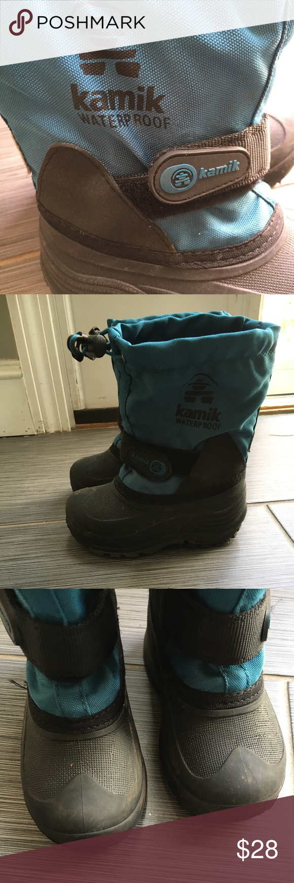 Kamik boys bluish green snow boots Worn