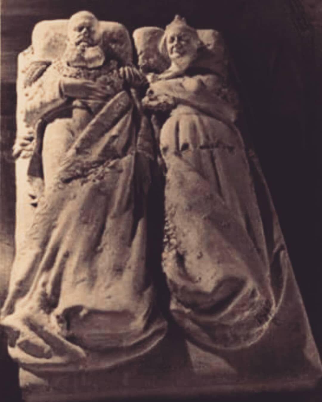 Detalhes Do Tumulo Dos Imperadores Na Capela Da Cripta Imperial De