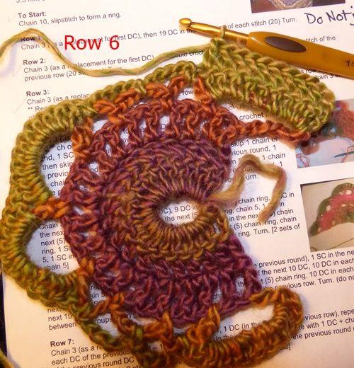 Scalloped Triangle Shawl (Crochet) Photo Tutorial | Chal, Patrones ...