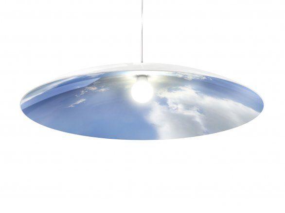 Inspirada no céu, a luminária Sky Light é uma parceria entre a Skitsch e os designers franceses da 5.5 Designers.