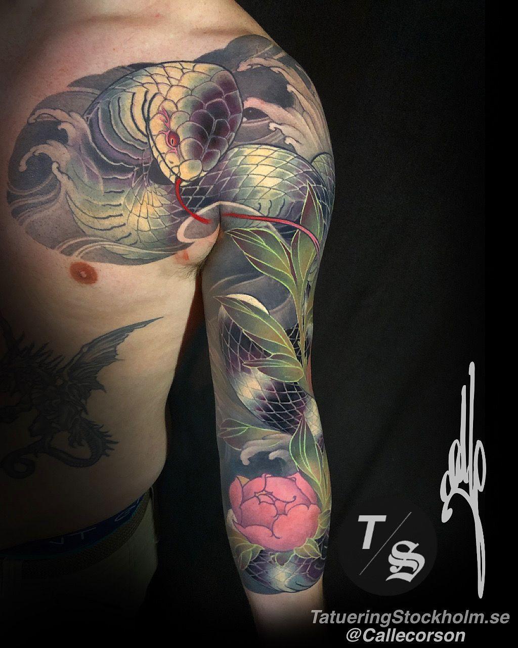 Erstaunliches Japanisches Schlangen Tattoo Snake Tattoo Im Japanischen Stil Von Calle Corson Schlange Snaketat In 2020 Japanese Snake Tattoo Snake Tattoo Tattoos