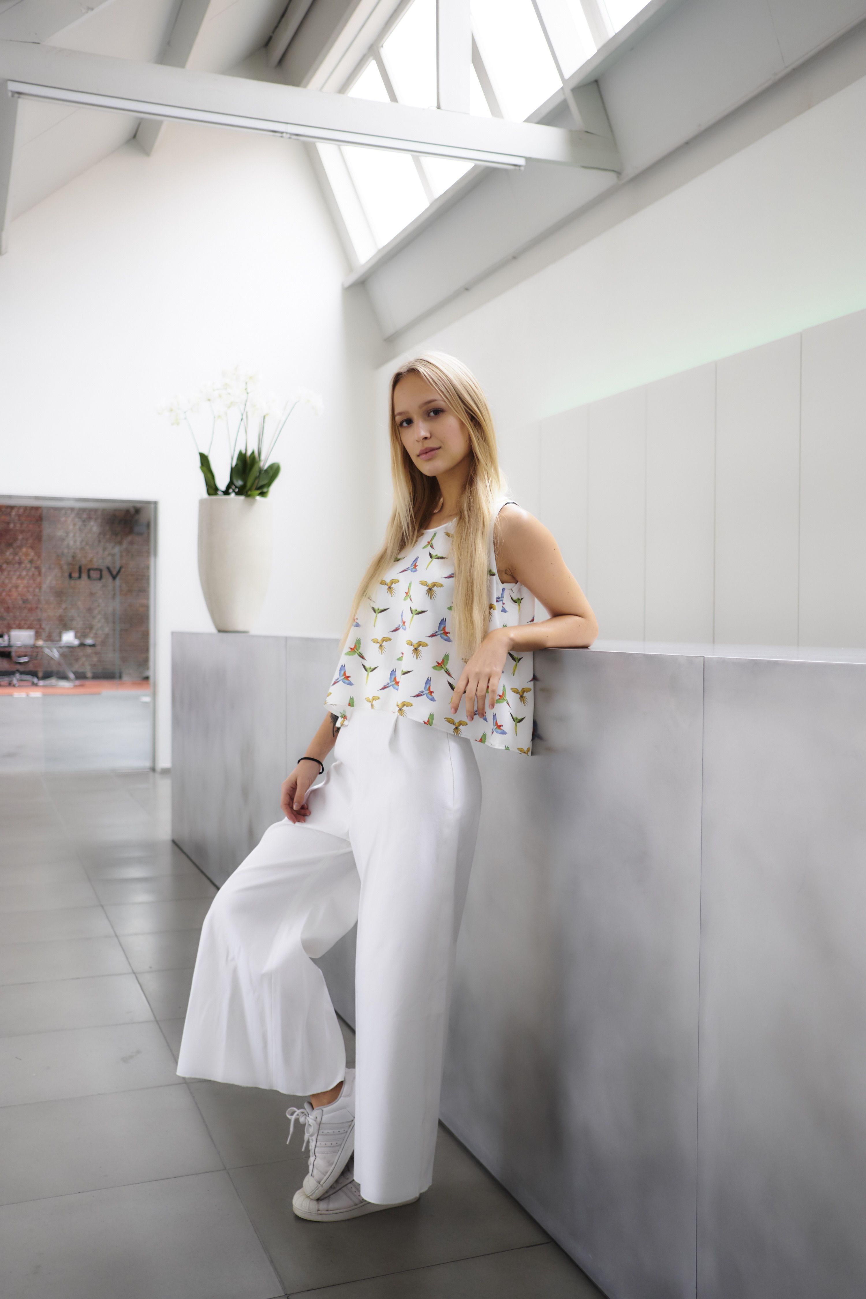 #nxi #fashion #trendy #inspiration #bohochic #skirt #top #croppedtop #chic #party #feest #dress #kleed #inspiratie #design #trend #rok #sneakers #going out #outfit #summer #summeroutfit