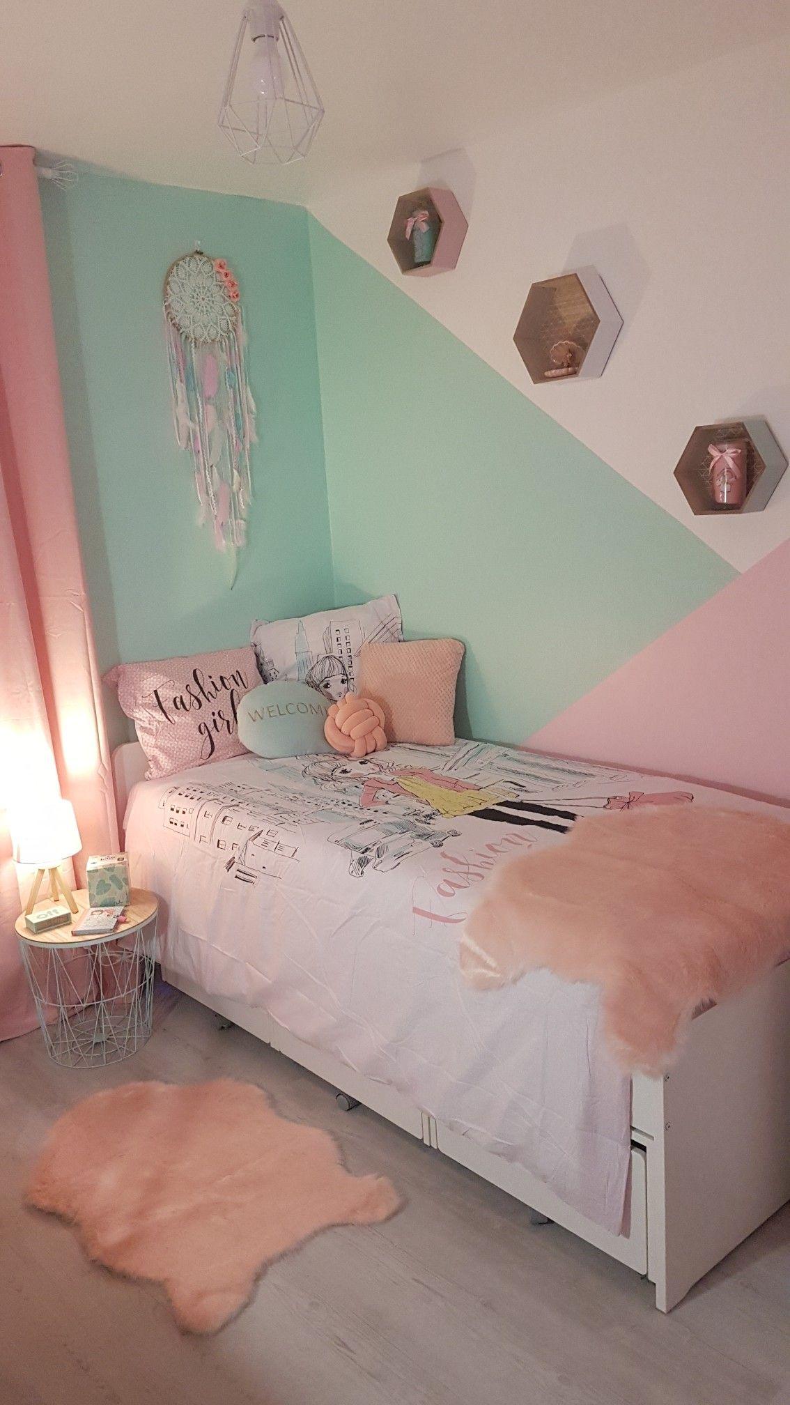 Chambre de ma fille : lit Ikea, attrape-rêves Marcel Méduse