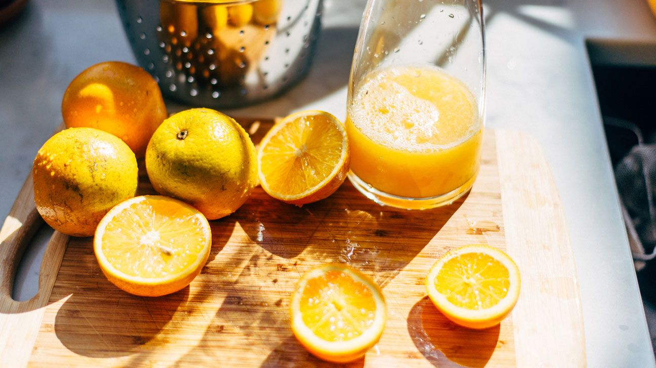 how to use a juicer for oranges