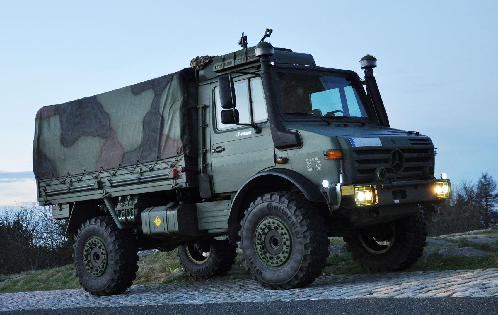 El Ejercito De Chile Recibe 278 Camiones Militares Todo Terreno Y 154 Maquinas De Ingenieria Mercedes Benz Unimog Camiones Vehiculos Militares