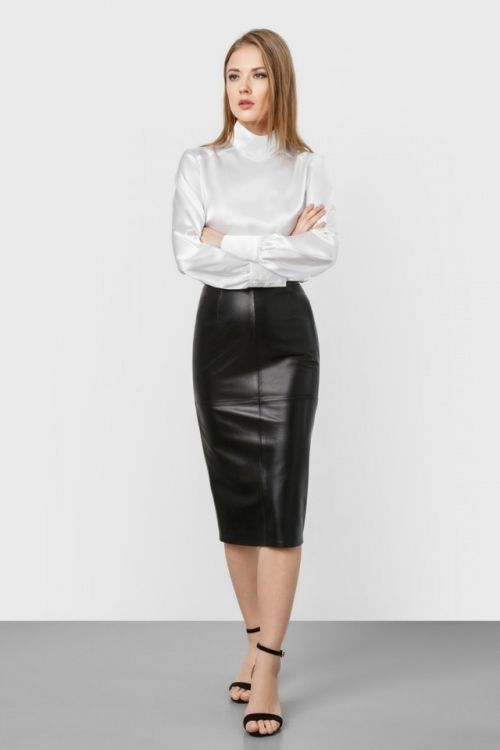 Our High Waisted Faux Leather Pencil Skirts are made of the most premium high quality faux leather pu stretch material. This pencil skirt features a slim, stretchy fit, and it's finished with an elastic waistband/5(2).