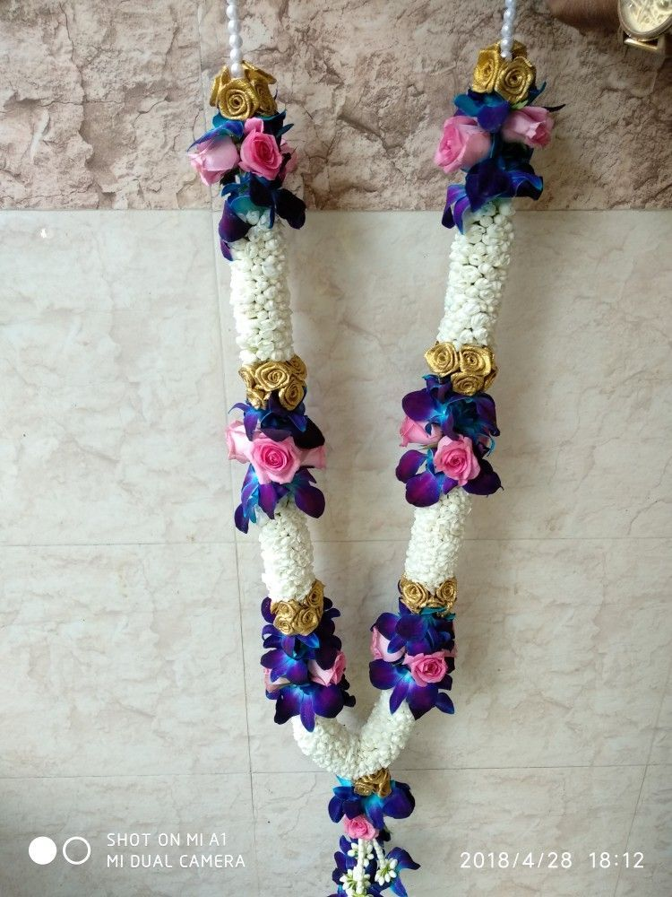 Blue Orchids And Pink Roses Weddings Garlands Flower Garland Wedding Indian Wedding Garland Indian Wedding Flowers