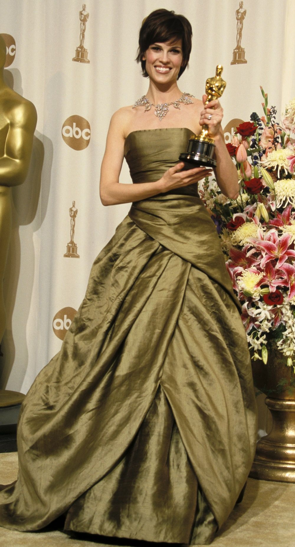 Pin by Fashion Dolling on Hilary Swank | Oscar gowns ...