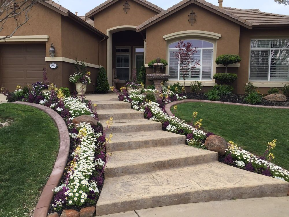 Photos For Custom Plantings Yelp Front Yard Garden Design Front Yard Landscaping Design Front House Landscaping