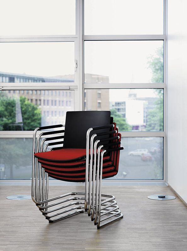 NEOS cantilever chair | Design: wiege | Appealing. Attractive. Versatile. | By Wilkhahn | #neos