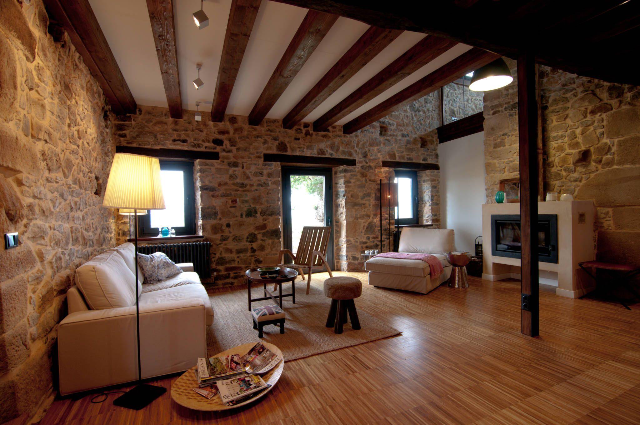 Vivienda en vega de selorio salones de estilo de rubio bilbao arquitectos decoracion - Decoracion bilbao ...