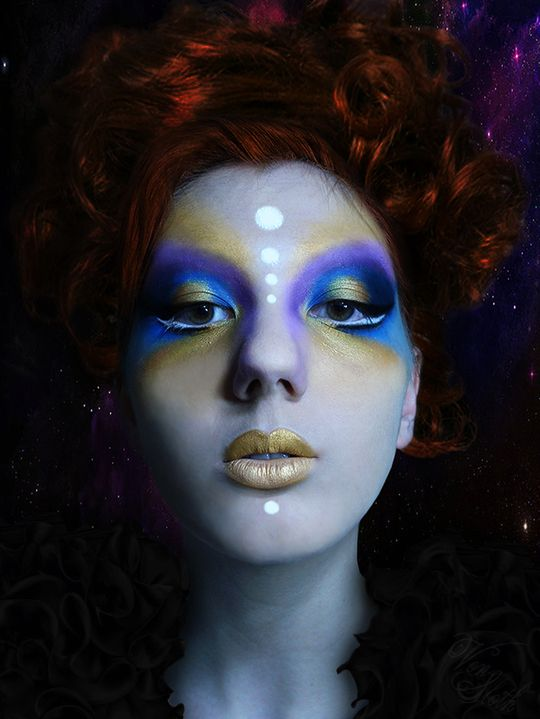 Alien makeup blue with gold | Not everyday makeup | Alien ...