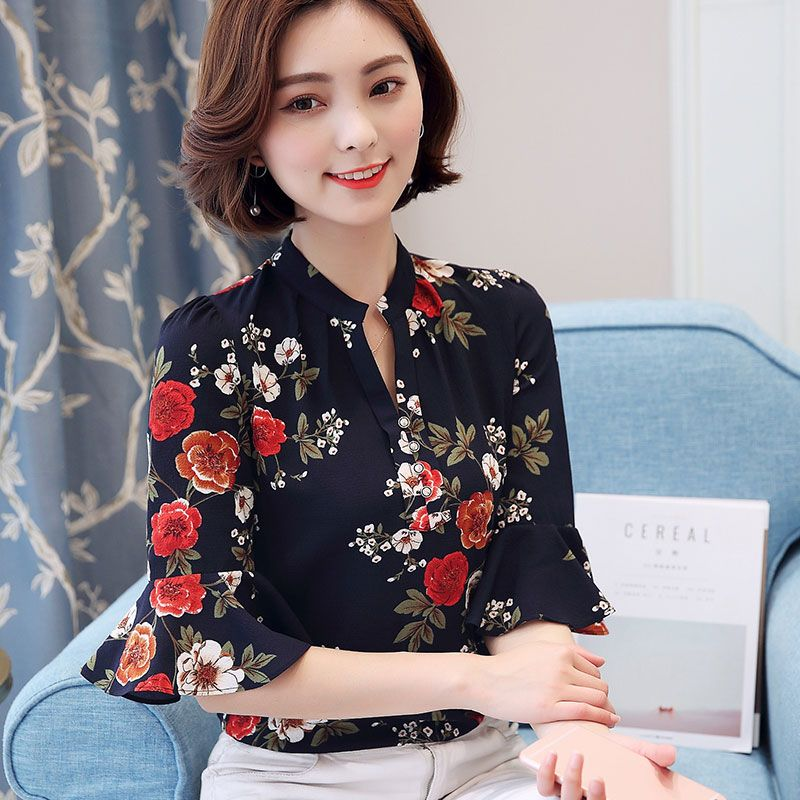 21c06586762 2018 Autumn Floral Chiffon Blouse Women Tops Flare Sleeve Shirt Women Ladies  Office Blouse Korean Fashion Blusas Chemise Femme