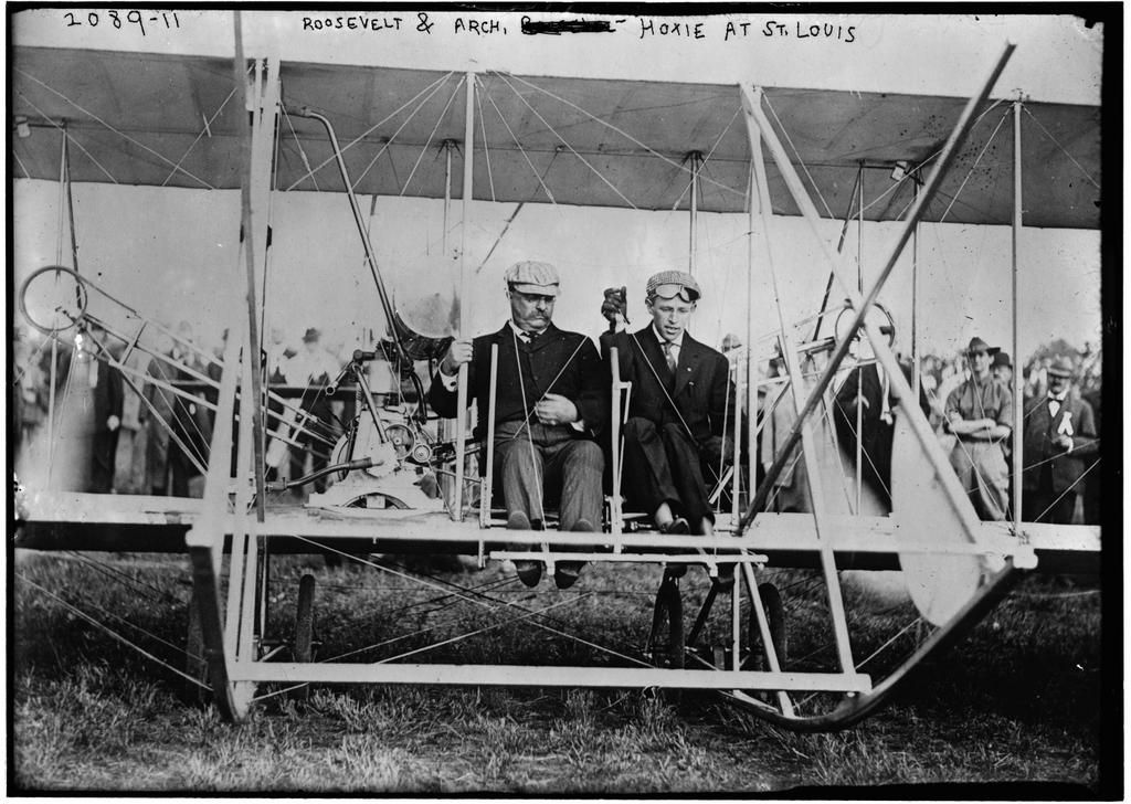 """Teddy Roosevelt Becomes the First US President to Fly in an Airplane, 1910 [[MORE]] nowhathappenedwas: Newsreel And from the New York Tribune's account at the time: """" """"The aeroplane sped quickly..."""