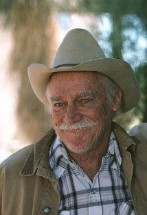<3 Anne of Green Gables and <3 Richard Farnsworth!! Uncle Matthew was the sweetest!