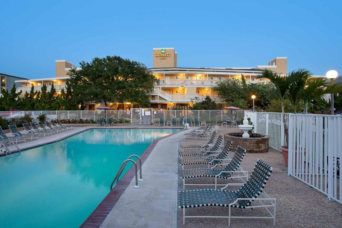Quality Inn Oceanfront Ocean City Md Ocean City Md Hotels Ocean City Ocean City Maryland