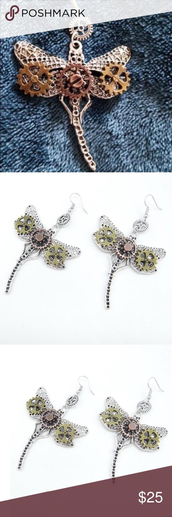 NEW Earrings Steampunk Butterflies Gears Jewelry NEW Hanging Earrings designed for the steampunk fa