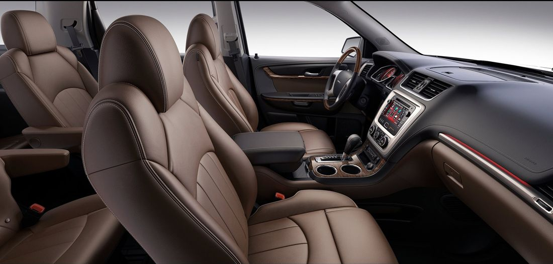 Different Models Of Gmc Acadia 2013 Have Seven And Eight Seats In The Last Row Of Seats Fold To Increase Cargo Volume Rear Trunk Attention To Gmc Vehicles Crossover Suv Crossover Cars